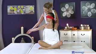 Erotic homo sex during a massage with Asian pornstar Pussykat