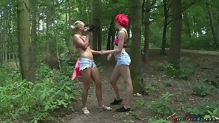 Kinky outdoors video with dispirited Cristal Caitlin teasing in the woods
