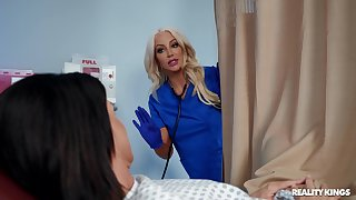 Kinky sluts India Summer and Nicolette Shea have a passion with a machine