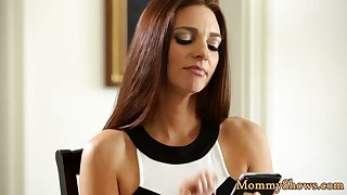 Lesbo babe pleasuring her stepmommy