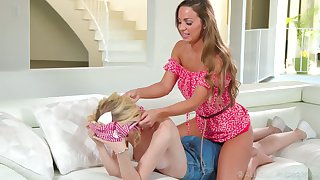 Gorgeous Virgo intacta Mac gives a good back massage and she loves monster eaten out