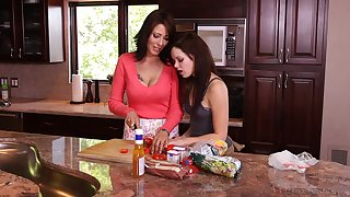 Pussy licking after lunch with Zoey Holloway and Jenna J Ross